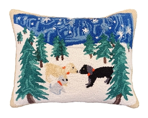 NCU-566 SNOW DOGS PILLOW 16