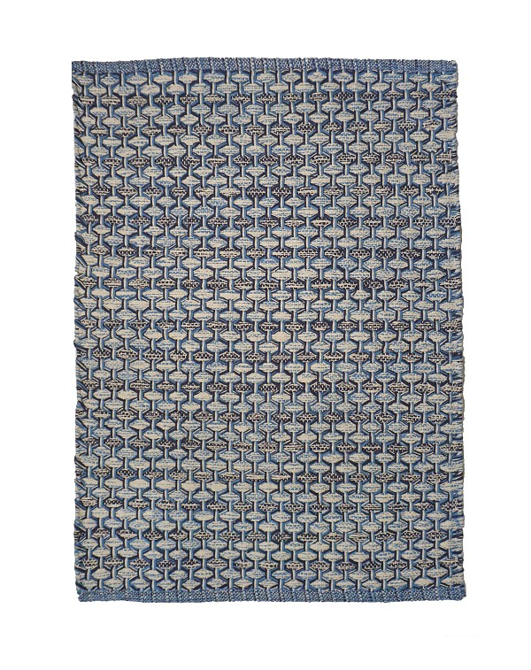 HONEYCOMB (r) BLUE Rag Rugs and Table Top
